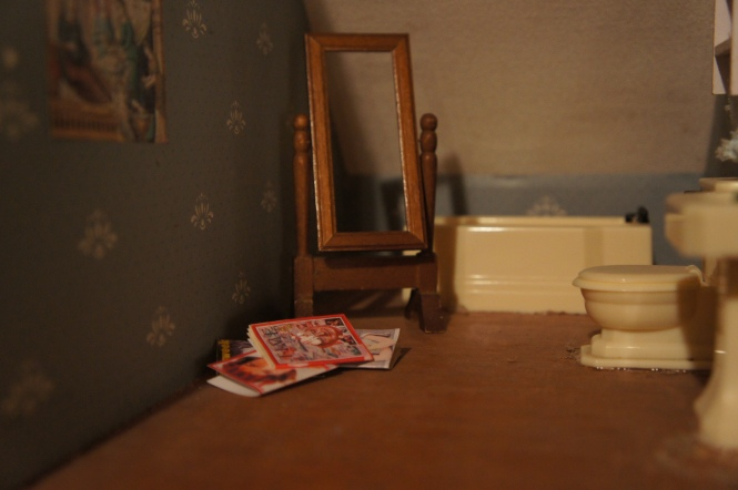TRH dollhouse bathroom