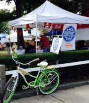 Beach cruiser at the farmers' market